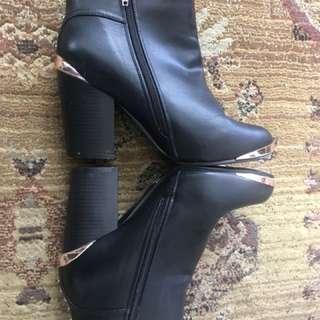 New Pennington boots