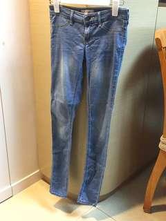 Hollister牛仔褲