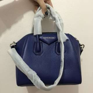 GIVENCHY MINI ANTIGONA ( not ori )
