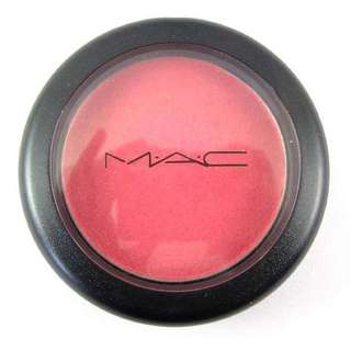 MAC Sheertone Shimmer blush in Dollymix