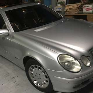 2005年Benz  e200