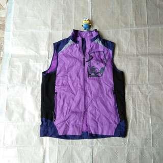Rompi vest outdoor bukan jaket gunung