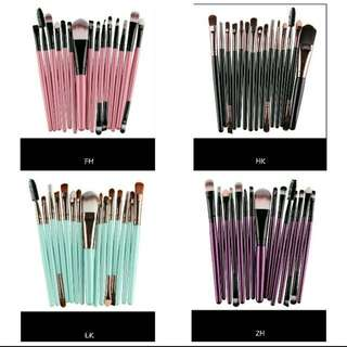 Make up brushes 15