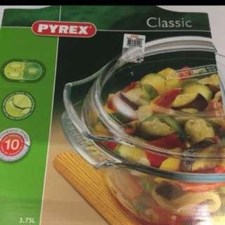 Pyrex clear glass pot