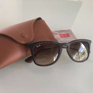 Ray-Ban BRAND NEW 4221 (RRP 185)