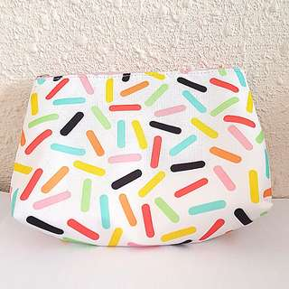 Clinque make up bag or pouch