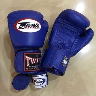 TWINS Muay Thai glove/ sarung tinju/ color blue size 8oz