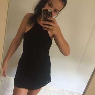 Little black dress 🌸