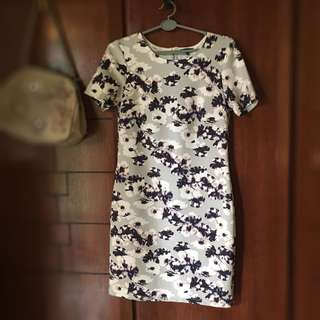 WAREHOUSE flowery dress