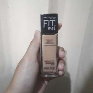 Maybelline Fit Me Foundation  Dewy Smooth - 230 Natt Buff