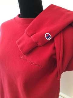 NEW RED CHAMPION JUMPER SIZE S