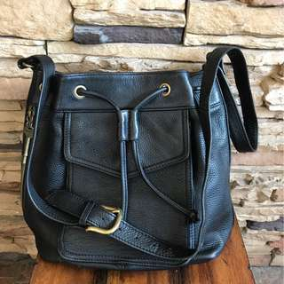 FOSSIL LEATHER BUCKET BAG