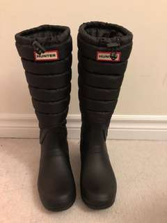 Hunters Quilted Boots - size 7