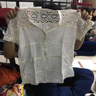 Kemeja putih renda #umn2018