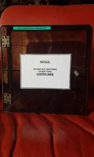 Acrylic box with magnetic door