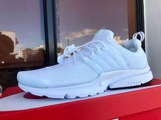 Nike Presto Triple White size 10 US.