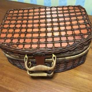 Picnic cane bag
