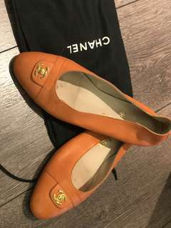 Chanel Shoes (size: 37.5)