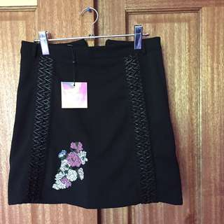 Misguided black skirt embroidered