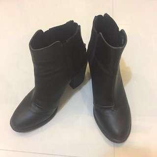 Sepatu boots Hitam/Black H&M size : 37