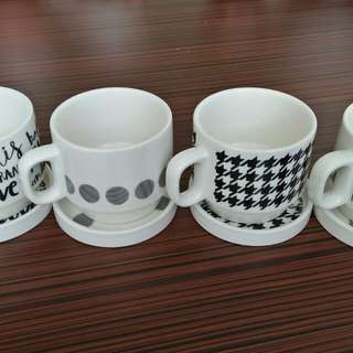 Brand new unique 4pcs good quality porcelein cups set, Martine Sitbon Paris design, perfect for home open gift, bases also use as covers
