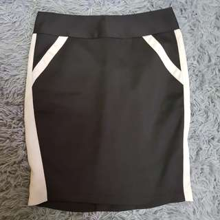 Office Black and White Skirt XS