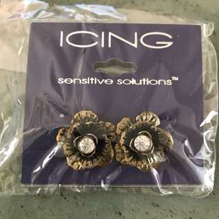 Antique flowery earrings
