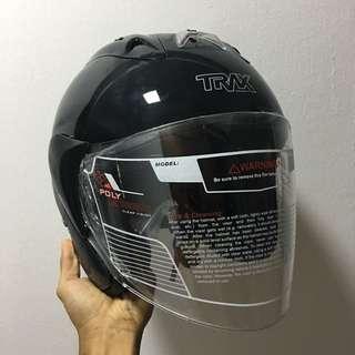 ⭐️RESTOCK⭐️ TRAX TR03ZR Metallic Black Helmet