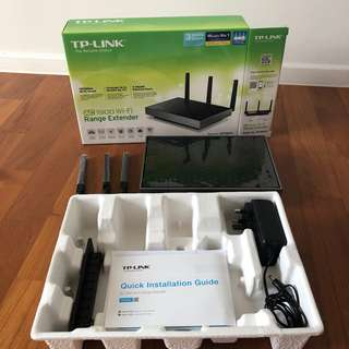 Almost New TP-Link AC1900 Range Extender RE580D within warranty