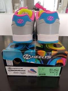 Heelys sneakers with 2 wheels