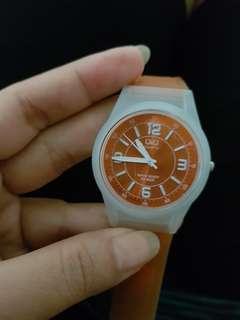 Jam tangan karet QQ . Sporty . Dupe Swatch