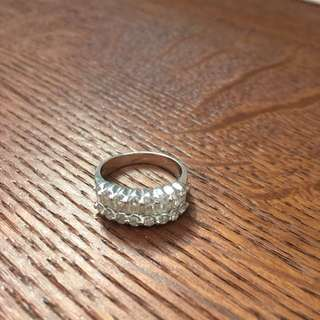 特價 18K 1卡05份鑽石戒指