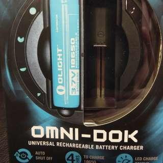 OLIGHT OMNI-DOK 多種電池充電器