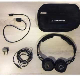 Rarely used near new Sennheiser mm450x bluetooth noise cancelling headphones.