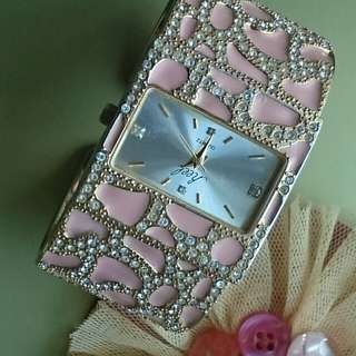 Nostalgic style lady Swarkski crystal watch