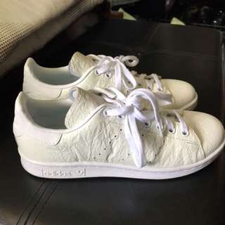 (Preloved and authentic) Adidas Stan Smith