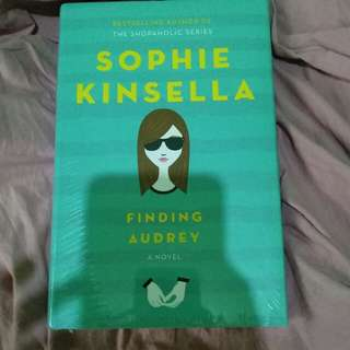 NEW Sophie Kinsella Hard Bound