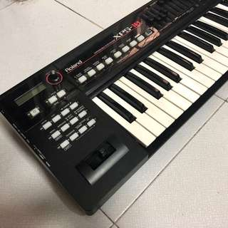 Roland XPS-10 61 keys synthesizer