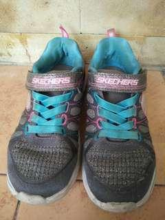 Skechers ori kids dijual ! #skechers