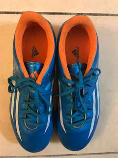 Kids Shoes (football shoes)
