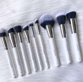 [NEW IN🌸] Colourpop new in nine brushes po