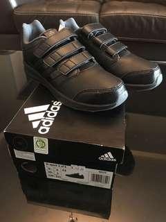 Adidas black shoes UK3