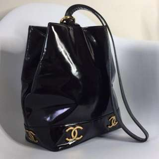 真品 近全新Auth Chanel vintage CC logo bucket shoulder bag rare item