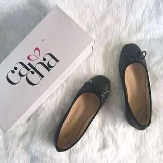 Classic Black flats shoes