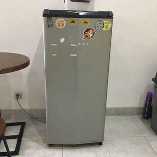 AQUA fridge in perfect condition