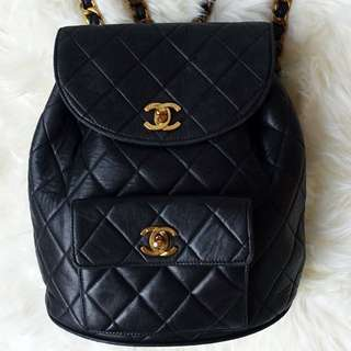 真品 Chanel vintage quilted backpack in black金鏈背囊