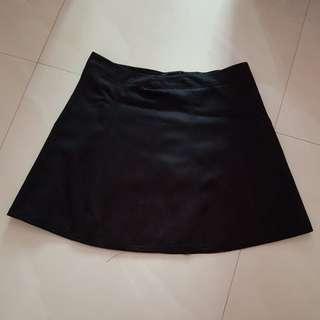 Preloved Iora Black Skirt