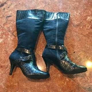 Naturalizer Snake Skin Boots size 8.5M