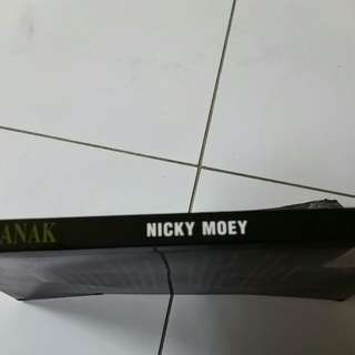 Nicky moey pontianak book