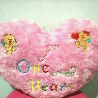 Free Ongkir Jabodetabek Love Pillow